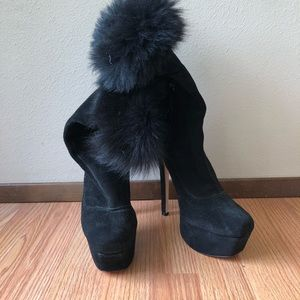 Alice + Olivia Shoes - Alice x Olivia high heel suede shearling boots
